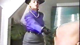Wanita dalam cerita lucah sedap faraj Rodeo.