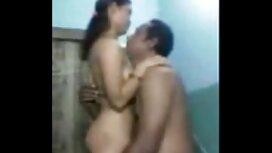 Dua rusia pasangan memutuskan cerpen seks sedap untuk mengatur sejuk pesta.
